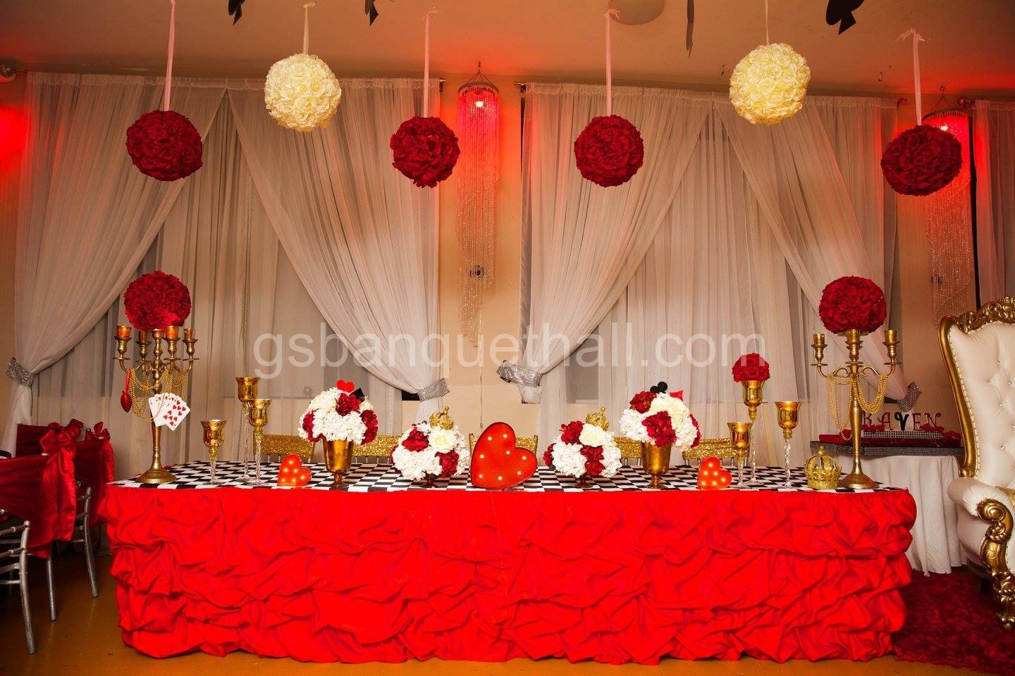Queen of Hearts Party decoration Reina de corazones