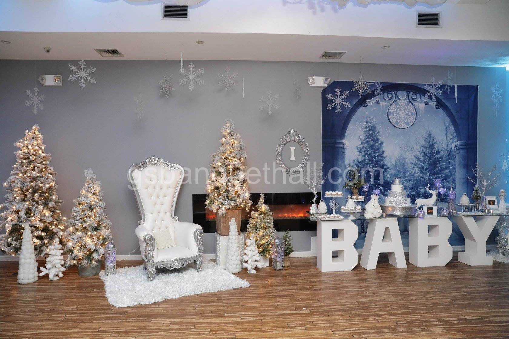 Winter wonderland baby shower christmas party for Baby shower hall decoration
